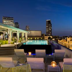 בריכה במלון פוליהאוס - Poli House Hotel swimming pool
