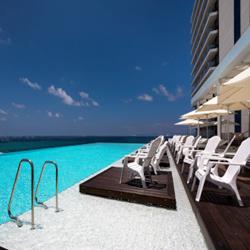 בריכה במלון ווסט לגון נתניה - West Lagoon Netanya Hotel Swimming Pool