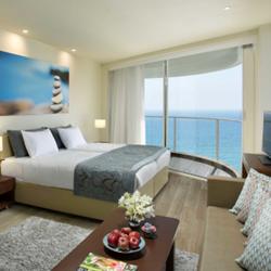 חדר במלון רמדה חדרה - Ramada Hadera Resort Hotel Room