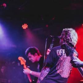 להקת רוק בהופעה - A Rock Band In Concert
