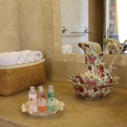 מוצרי אמבט במלון - Bath Products In The Hotel