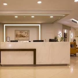 מלון גולדן וואלס - לובי - Golden Walls Hotel - Lobby